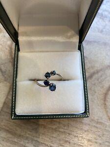 Unusual design 9ct gold 4 graduating sapphire ring size I