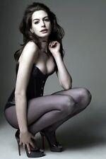 Anne Hathaway 11x17 Mini Poster (28cm x43cm) #02