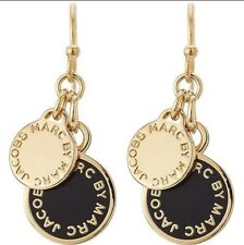 marc by marc jacobs logo enameldrop earrings black@ Gold