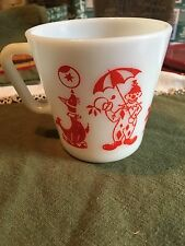 VINATGE PYREX MILK GLASS CUP WITH CIRCUS SCENE COFFEE MUG NUC/VIVID COLOR RED