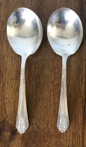 International Silver Royal Saxony Silverplate 2 Piece Casserole Berry Spoon 1935