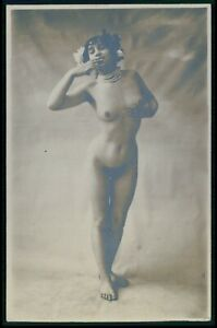 French full nude woman send kiss original early 1900s photo RPPC postcard