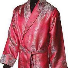 Ropa vintage de hombre en color principal rojo