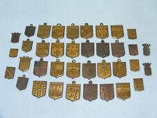 Lot 37 petites plaque en laiton ECUSSONS Régionaux Villes Blasons Ancien Vintage