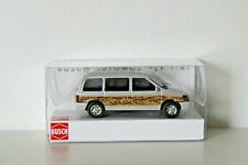 BUSCH 44623 - H0 1:87 - Plymouth Voyager »Woody«, Silber - NEU in OVP