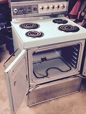 frigidaire custom imperial electric stove by Ge mint green