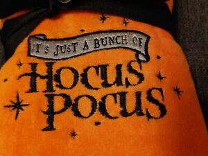 """Disney Hocus Pocus Halloween Hand Towels """"It's Just A Bunch Of Hocus Pocus"""" 2pk"""