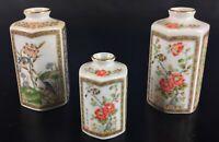 Lot de 3 anciens ( vintage) flacons à parfum  en porcelaine fine - Japon