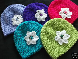 HANDCROCHETED HAT WITH WHITE STAR FLOWER- 0/3..3/6..6/9...9/12 months