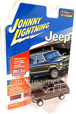 JOHNNY LIGHTNING JLCP7008 1981 JEEP WAGONEER 1/64 MODEL CAR VINTAGE RED POLY