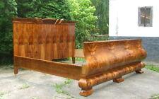 Walnut Art Moderne 20th Century Antique Beds