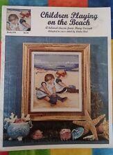 Cross Stitch Chart-Enfants jouant sur la plage