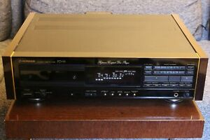 Pioneer PD-91 Compact Disc CD Player mit Holzwangen Urushi Serie
