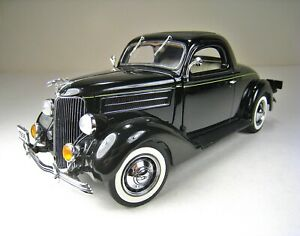 DANBURY MINT 1:24 Die Cast Metal 1936 Ford Deluxe 3 Window Coupe - Mint Cond.