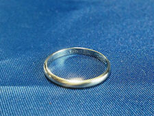 14k White Gold Wedding Band. Size 8.75. 2g. 3mm Wide Band.