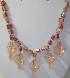 STATEMENT NECKLACE GLASS DANGLING LEAVES PINK MOTHER OF PEARL BEADS