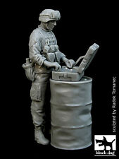 Black Dog 1/35 EOD Operation Soldier in Iraq War (for EOD Robot) [Resin] F35011