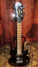 BB KING AUTOGRAPHED / SIGNED GIBSON EPIPHONE GUITAR w/ PHOTOS! AWESOME GUITAR!!