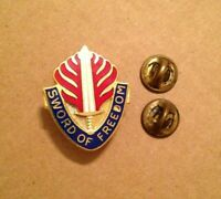 US ARMY MEDICAL 115th SURGICAL HOSPITAL crest DUI badge c//b D-22
