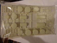 Walthers Cornerstone HO #933-3197 Industrial Tanks Set (Unpainted kit)