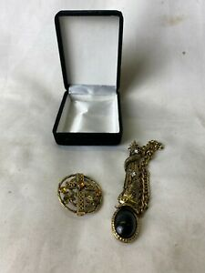 Costume Jewellery Unique Vintage Gold Pin & Broach