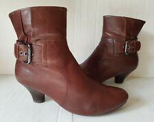 CLARKS SOFTWEAR Size 5.5 Leather Brown Smart Casual Victorian Style Ankle Boots