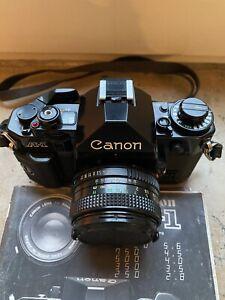 Canon A-1 35mm Spiegelreflexkamera mit 50mm F/1.8 Objektiv Kit