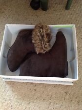 Pre Owned Rampage Brown Suede Fold over Boots With Faux Fur Lining, Size 6.5.