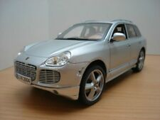 PORSCHE CAYENNE TURBO EXCLUSIVE gris 1/18