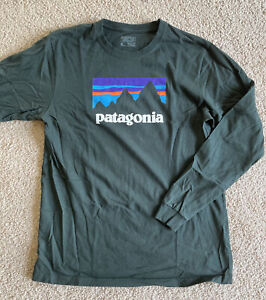 Patagonia Men's Long Sleeve Logo Tee Size Medium Dk. Green Color Relaxed Fit