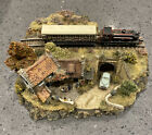 Danbury Mint Country Lines Collection - The Railway Arms - Jane HartModel Train