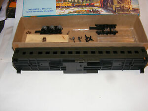 New/Box HO Athearn New York Central Heavy Weight Coach Kit File 5364