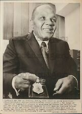1971 Boxer Jersey Joe Walcott With Sheriff Badge Camden County NJ Press Photo