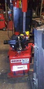 Coats Roboarm Tire Changer 70X-AH-3