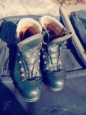 LOWA VINTAGE CLIMBING BOOTS SIZE 8.5 WITH VIBRAM SOLES MADE IN ITALY