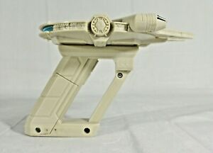 Star Wars Science Millennium Falcon UV Light Laser Uncle Milton Light Sound Toy