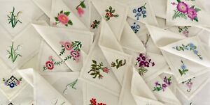 Large Lot 20 Hand Embroidered Linen Napkins Pretty Florals Violet Holly Daffodil