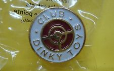 Pins ATLAS - Logo - Boutonnière - Insigne du Club Dinky Toys - Neuf sous cello