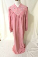 Vintage Vanity Fair Robe Size M Pink Fleece Embroidered Zipper Front Long