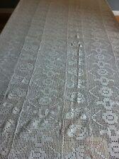 Couvre lit ancien jeté de lit fait main crochet coton blanc motif fleur accident