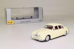 Maisto 1:43 31503 Jaguar MkII 3.4 Litre Cream - NEW
