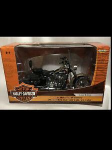 2004 Harley D Heritage Softail Classic TAN 1:10 Ertl American Muscle 33166