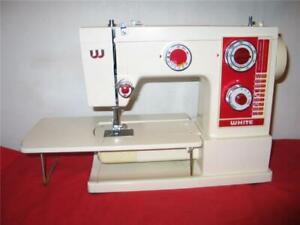 WHITE SEWING MACHINE 505,  20 built-in stitches, Metal Gears, Nice Machine