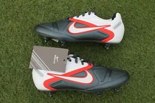 2011 BNIB NEW NIKE CTR360 MAESTRI II STUDS SG UK SIZE 9.5 US 10.5 FOOTBALL BOOTS