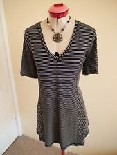 VIRTUELLE Black White Stripe TOP Size XXS 14 Taking Shape V-Neck Stretch TS14+
