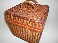 Wicker Picnic Basket With Accessories for 3