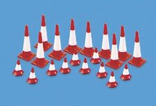 Modelscene 5008 Small & Large Traffic Cones 'OO' Gauge Pre Coloured Plastic Kit1