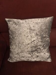 SILVER CRUSHED VELVET CUSHION COVERS 17 x 17 PAIR 2 BRAND NEW BED SLEIGH DIVAN