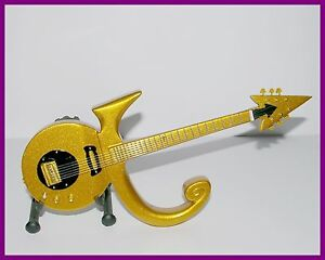 PRINCE ! GUITARE MINIATURE DE COLLECTION - LOVE SYMBOL GOLD ! OR Hero Funk Rock