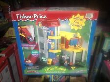 NEW VERY RARE VINTAGE 1999 FISHER PRICE FUN SOUNDS GARAGE LITTLE PEOPLE